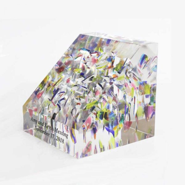 slanted-lucite-wedding-cube-side